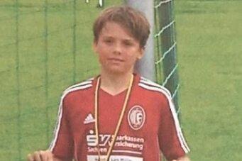 Im Juni 2015 gewann der Langenauer mit den E-Junioren beim TSV Penig den Kreismeistertitel. Danach wechselte er zu RB Leipzig.