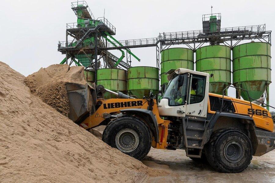 In der Anlage der Firma Heidelberger Sand und Kies in Penig wird seit Jahren jede Menge Sand verschiedener Körnung produziert.