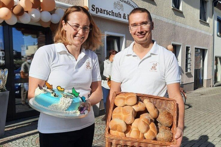 Peggy und Stefan Sparschuh feiern Jubiläum. 20 Jahre betreiben sie ihre Bäckerei und Konditorei an der Chemnitzer Straße in Penig.