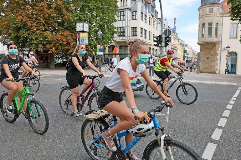 Klimaschützer demonstrieren für bessere Fahrradwege in Zwickau
