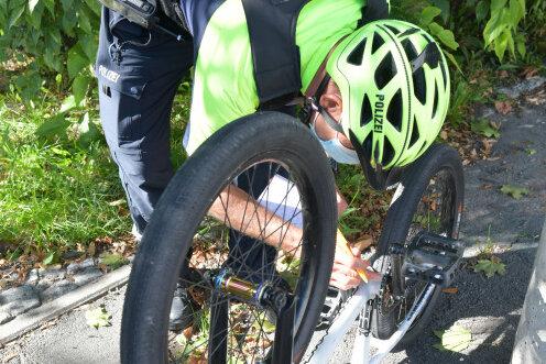 Bei einer Polizeikontrolle ertappt: Ohne Bremsen war ein BMX-Fahrer in Freiberg unterwegs.