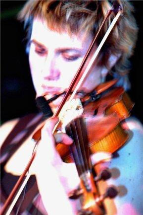 Die britische Violinistin Sophie Solomon gilt als eine der wichtigsten modernen Klezmer-Musikerinnen.