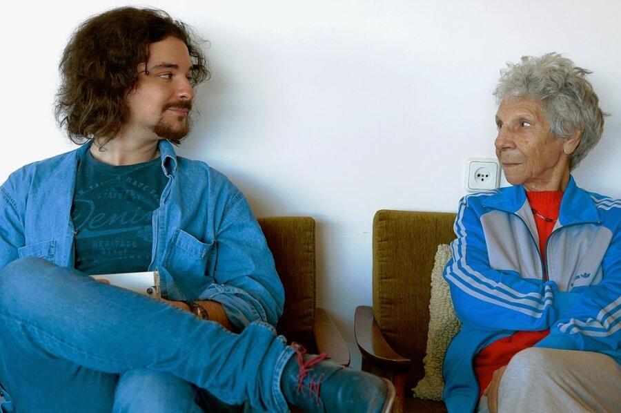 Yaar bei seiner Großmutter Rina in Tel Aviv.
