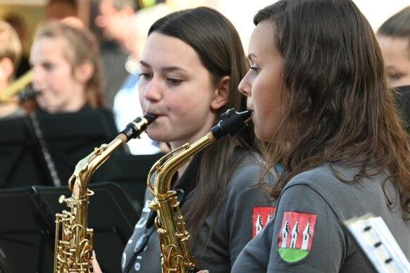 Nicht nur Fahnenschwinger begeistern Besucher beim Altstadtfest in Kirchberg