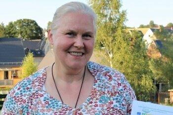 Für den Verein Altes Bahnhofsviertel freute sich Vereinsvorsitzende Ulrike Seyfert über 400 Euro.