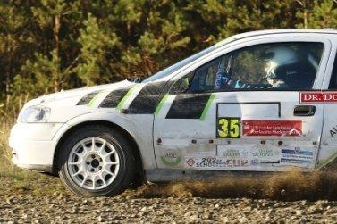 Rallye-Asse fahren in der Region um Meistertitel