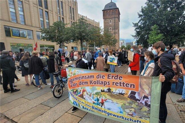 Mit ihrem Protest wollten die Anhänger der Bewegung Fridays for Future auch die Bedeutung der Bundestagswahl deutlich machen.