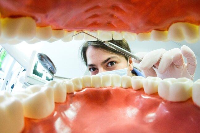 Sachsen schließt die Corona-Zahnarztpraxen