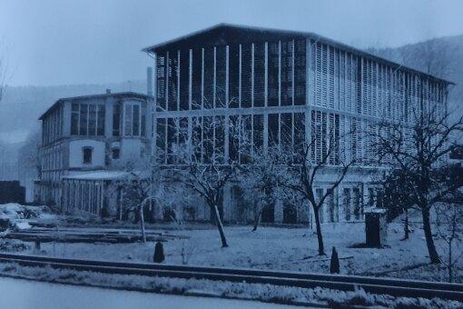 Neue Hütte in Pöhla: Das Buch bietet auch Erinnerungen an längst Abgerissenes.