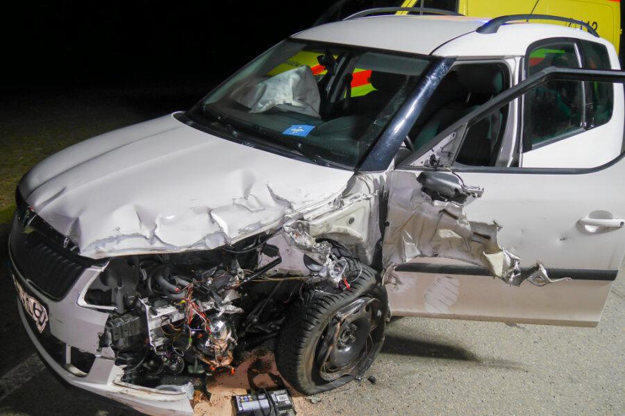 Schwerer Unfall bei Dörnthal: Sechs Menschen verletzt