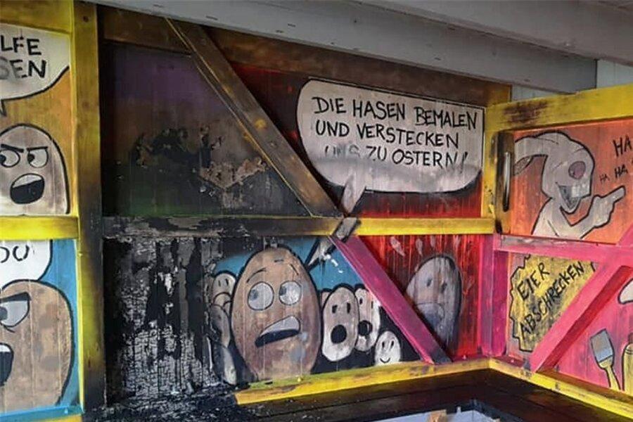 Am Jugendclub Kirchberg war in einer Schutzhütte Feuer gelegt worden.