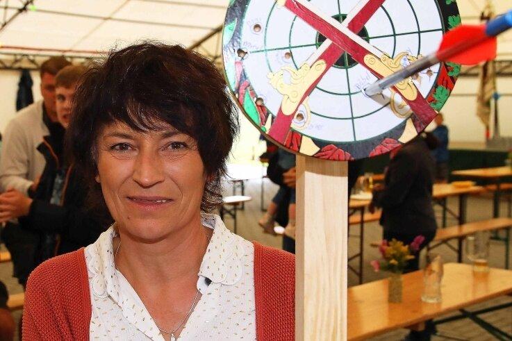 Babara Walther-Wilfert ist die amtierende Niederalbertsdorfer Schützenkönigin. Am Wochenende endet ihre Regentschaft.
