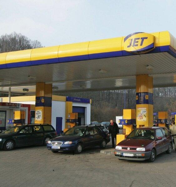 Der Betrieb an der Jet-Tankstelle in der Werdauer Uferstraße lief gestern wieder normal.
