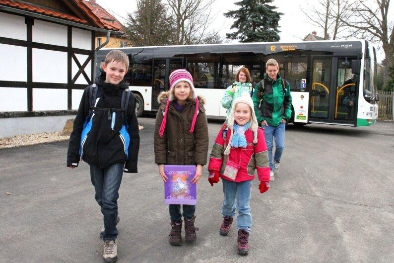 """<p class=""""artikelinhalt"""">Die Buswendestelle am ehemaligen Gemeindeamt Beiersdorf wird ab kommendem Montag für fünf Monate zum Umsteigeort für die Schüler.</p>"""