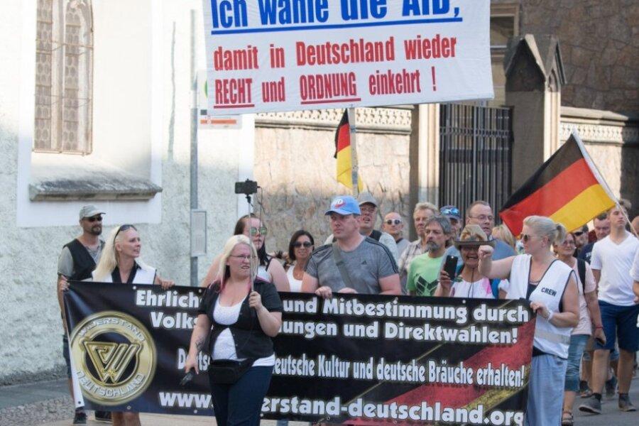 Politisch tickt der Osten etwas anders: Die AFD - hier ein Foto aus Görlitz - findet in den neuen Ländern mehr Anhänger.
