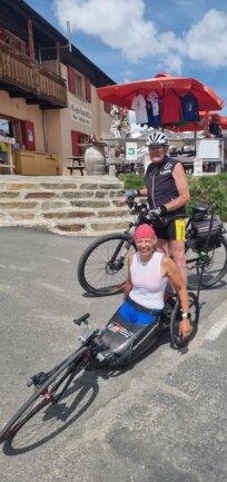 Ein Erfolgsduo im Behindertensport schlechthin - im Winter wie im Sommer: Rollstuhlfahrerin Andrea Eskau und ihr Trainer aus Sehma, Werner Nauber, hier beim Training auf dem Gaviapass in Italien.