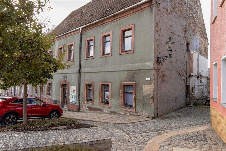Für einige gilt das Gebäude als Geburtshaus von Barbara Uthmann. Die bekannte Unternehmerin aus dem 16. Jahrhundert wird in Elterlein von jeher Uttmann geschrieben. Ein Verein und die Stadt wollen das Haus sanieren.