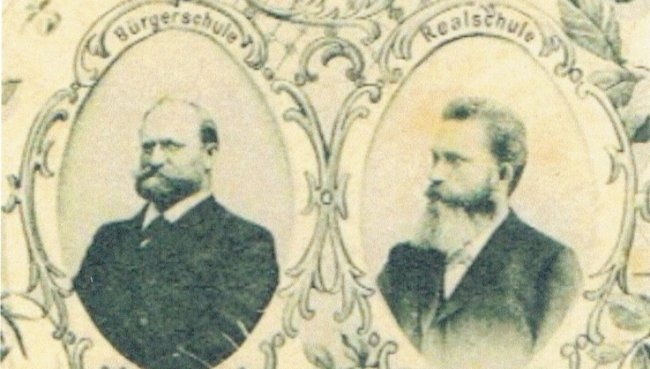 Ausschnitt aus einer Postkarte zur Einweihung des neuen Schulgebäudes in Mittweida im Jahr 1900.