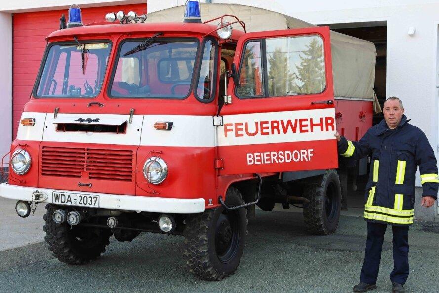 Die Helfer aus Beiersdorf rücken noch mit einem 36 Jahre alten Fahrzeug aus.Für die Ersatzbeschaffung erhalten Gemeindewehrleiter Jan Blechschmidt und seine Kollegen eine finanzielle Unterstützung.