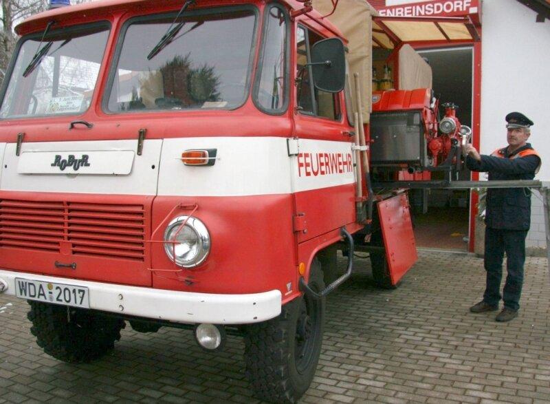 """<p class=""""artikelinhalt"""">Das 27 Jahre alte LO-Löschfahrzeug bei der Langenreinsdorfer Feuerwehr wird bald durch ein neues ersetzt.</p>"""