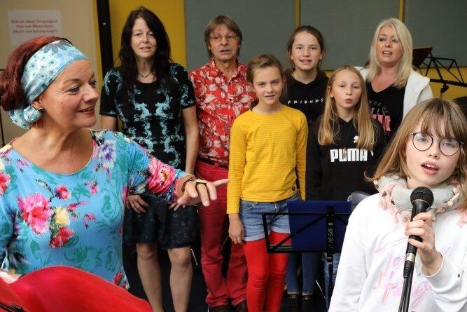 Leiterin Annett Illig startet mit Mitgliedern des Musiktheaters Rabenschnabl nach den Herbstferien mit den Proben für eine neue Inszenierung.
