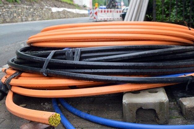 Im November sollen die ersten Meter Glasfaserkabel für das schnelle Internet verlegt werden.