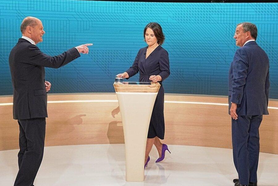 So harmonisch wie vor der Sendung war es im Triell dann doch nicht (von links): Olaf Scholz (SPD), Annalena Baerbock (Bündnis 90/Die Grünen) und Armin Laschet (CDU).