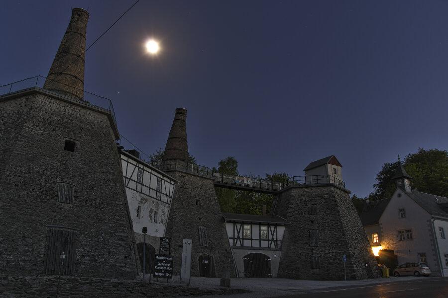 Das Kalkwerk bei Pockau im Mondschein.